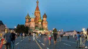 SAD otpustile 182 lokalna službenika u predstavništvima u Rusiji uoči isteka roka