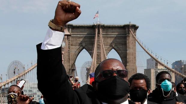 Smiruju se protesti u SAD, ali ne jenjava ogorčenje zbog smrti Džordža Flojda