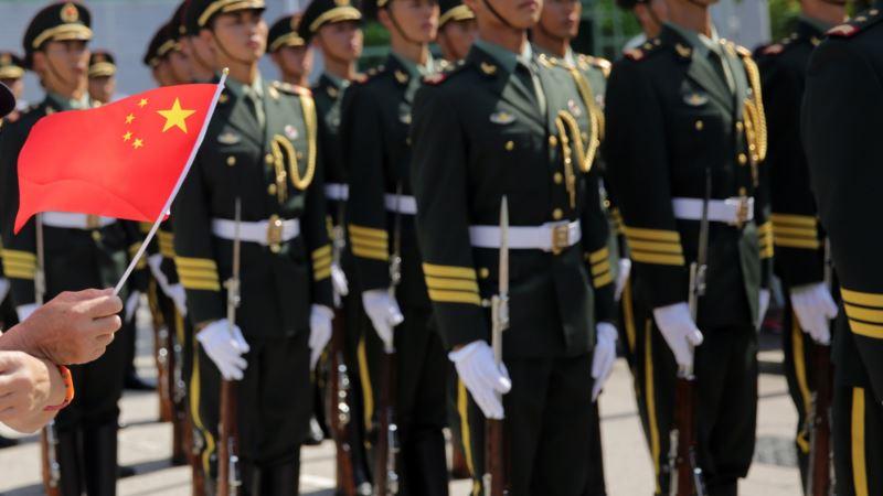 SAD zabrinute zbog raspoređivanja kineske vojske na granici sa Hong Kongom