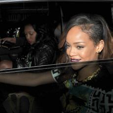 SADA JE I ZVANIČNO: Rijana je postala MILIJARDERKA, samo jedna žena je ispred nje (FOTO)