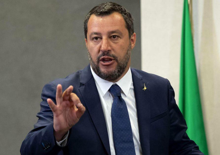 SALVINI BESNO PORUČIO FRANCUZIMA: Dosta je odlučivanja Pariza i Berlina! Italija više ne može da prihvata sve migrante koji stižu u Evropu!