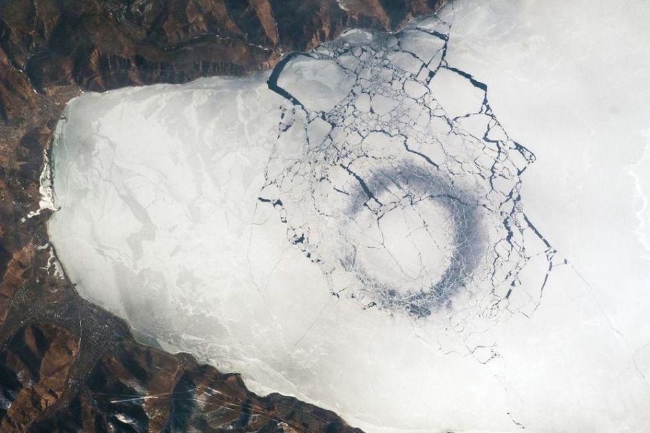 SATELIT SNIMIO MISTERIOZNE PRUGE U SIBIRU: NASA na ova pitanja još ne može da odgovori (FOTO)