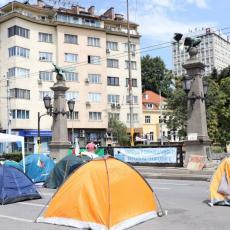 ŠATORIMA PROTIV VLASTI! NEREDI SE NE SMIRUJU: Protesti u Bugarskoj, raskrsnice GLAVNOG GRADA u blokadi (FOTO)