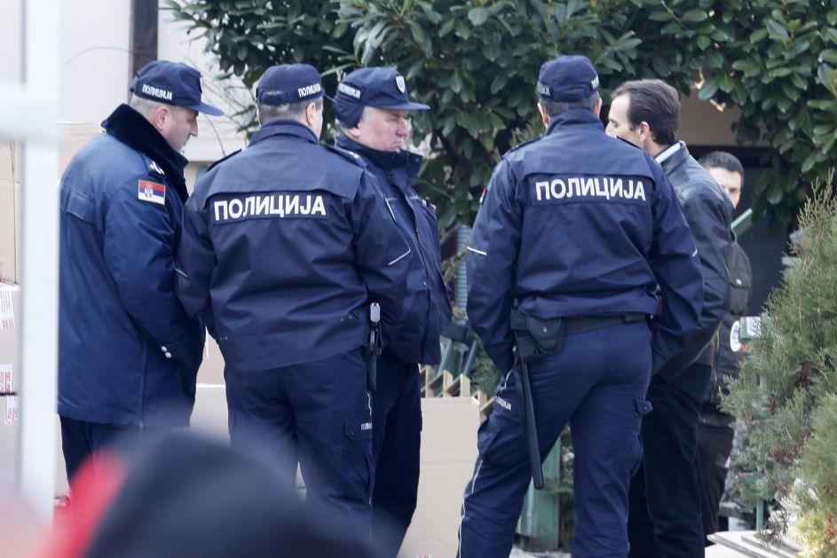 SCENA KAO IZ FILMA: Ovako je direktor doma uspeo da prljave inspektore preda policiji!