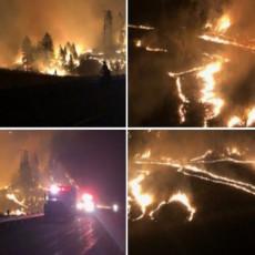 SCENE JEZIVIH POŽARA U AMERICI LEDE KRV U ŽILAMA: Vatrena stihija se ne smiruje, dva vatrogasca poginula (FOTO/VIDEO)