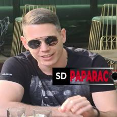 SD PAPARACO - Cecinog DEČKA uslikali smo u prestoničkom kafiću! Bogdan UŽIVA U BAŠTI, a evo i sa KIM (FOTO)