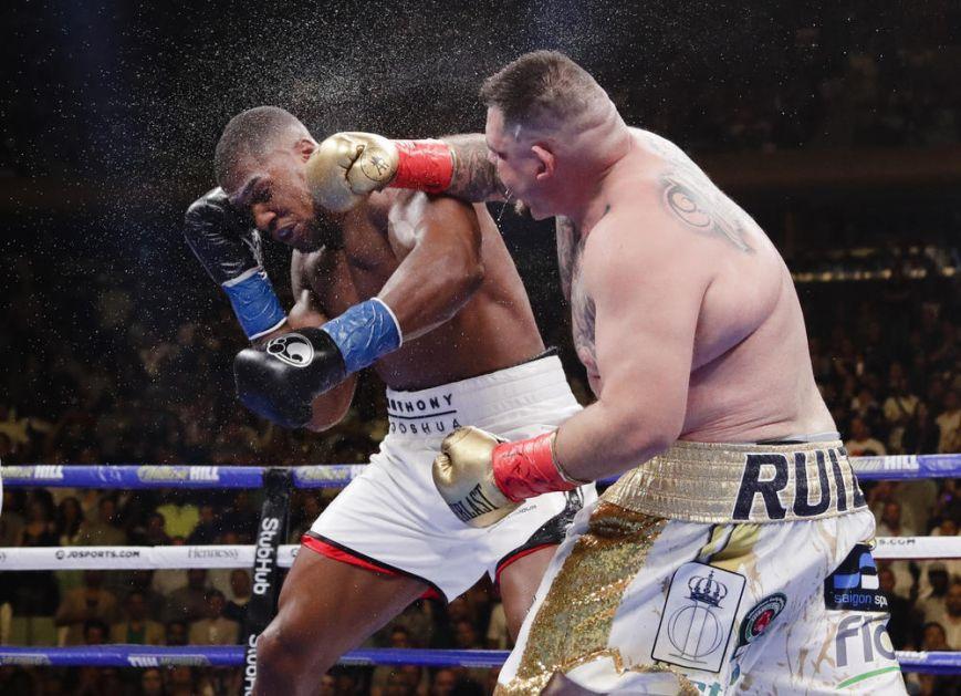 SENZACIJA U NJUJORKU! Bucko legendarnom Britancu naneo prvi poraz i uzeo mu sve titule u teškoj kategoriji! DŽOŠUA NOKAUTIRAN! (VIDEO)