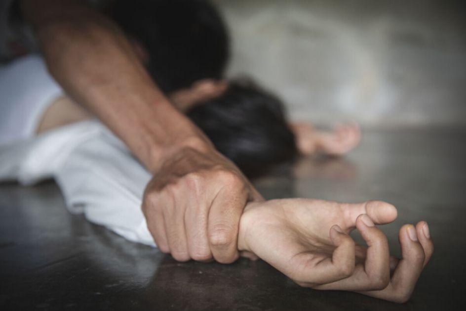 SIN ITALIJANSKOG POLITIČARA OPTUŽEN ZA SILOVANJE: Sa drugarima napio devojku pa je prisilio na seks