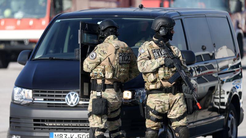 SIPA uhapsila tri osobe i zaplijenila oružje i eksplozivna sredstva
