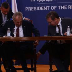 SJAJAN GEST ZA MILOŠA ZEMANA: Pogledajte kako je Vučić pokazao DUBOKO POŠTOVANJE našem velikom prijatelju