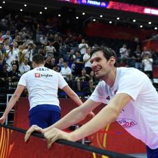 SJAJNA ATMOSFERA U SRBIJI: EVO šta se desi kad Marjanović uđe u svlačionicu! (VIDEO)