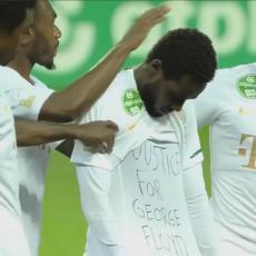 SKANDAL: Fudbaler KAŽNJEN jer je tražio pravdu za Džordža Flojda, odmah se oglasila FIFA (VIDEO)