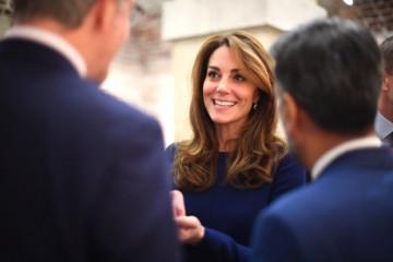 """SKANDAL TRESE BRITANIJU: """"Bolja snaja"""" Kejt Midlton prekršila kraljevska pravila i tradiciju"""