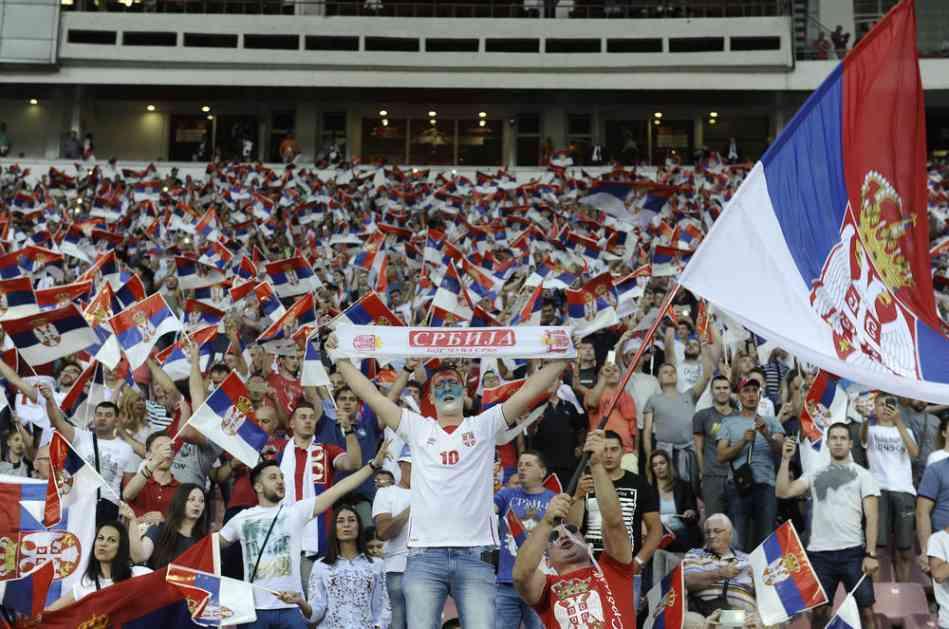 SKANDAL U CRNOJ GORI! Policija danima MALTRETIRALA navijače Srbije! Privodili pristalice Zvezde i Partizana i tražili da potpišu da neće ići na meč u Podgoricu!