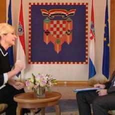 SKANDALOZAN IZLIV BESA! Kolinda LUPA O STO i PRETI: Nikada više nijedan srpski tenk neće ući u Vukovar! (VIDEO)