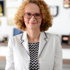 SKANDALOZNA FOTOGRAFIJA MAKEDONSKE MINISTARKE: Ovim je uvredila sve Srbe, reagovala javnost