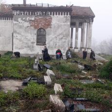 SKANDALOZNA odluka nadležnih u Sarajevu ponovo UBIJA srpske žrtve: Prekopavaju GROBOVE, razlog SRAMOTAN