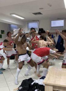 SLAVLJE U SVLAČIONICI PROLETERA: Brazilac se odlično snašao u ulozi DJ-a. (VIDEO)