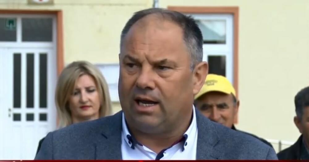 SLAVONSKIM SELIMA OČAJNIČKI POTREBNA OBDANIŠTA: Načelnik im umesto toga gradi - fontane! VIDEO