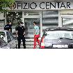 SLIKE SA LICA MESTA Policija saslušava Čedomira Jovanovića i njegovu ženu, čuknut automobil, POVREĐENA DEVOJKA