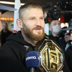 SLOVENSKA DOMINACIJA NA UFC SPEKTAKLU: Blačovič SLAVIO u borbi večeri (VIDEO)