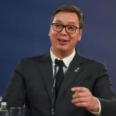 ŠMEKERSKI: Vučić LAJKOVAO šalu na svoj račun, internet se USIJAO (FOTO)