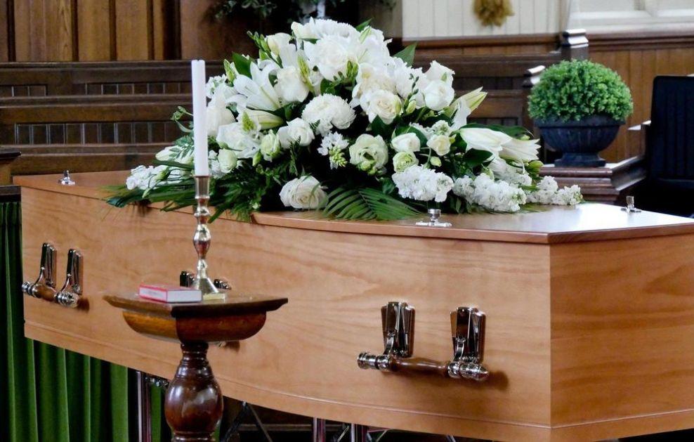 SMRT U HRVATSKOJ PAPRENO KOŠTA: Cene pogrebnih usluga u Zagrebu vrtoglavo rastu, a evo šta sve porodice pokojnika moraju da plate!