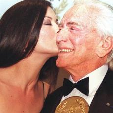 SNAJI I SINU NI DOLAR! Bogatstvo Kirka Daglasa se PROCENJUJE na 60 miliona, a EVO KOME ga je OSTAVIO!