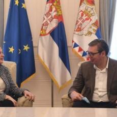 SNAŽNA PODRŠKA RAZVOJU PREDUZETNIŠTVA: Predsednik Vučić se sastao sa odlazećom regionalnom direktorkom EBRD-a