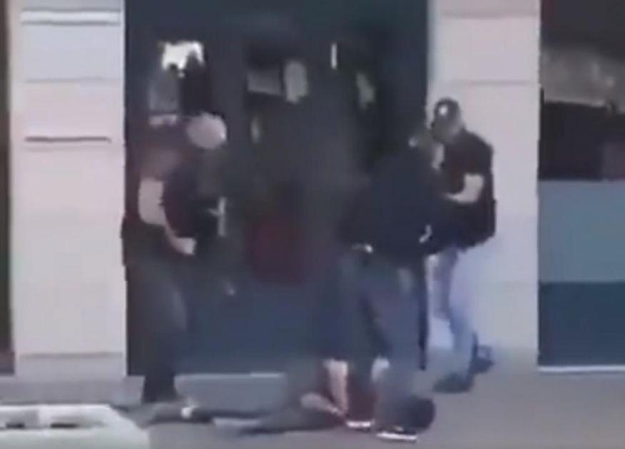 SNIMAK HAPŠENJA UBICE IZ NICE?! Terorista vilta nožem par trenutaka pre nego što ga policija obara na zemlju (UZNEMIRUJUĆE)