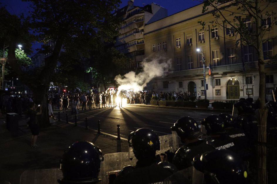 SNS: Srbija neće dozvoliti nasilni dolazak na vlast
