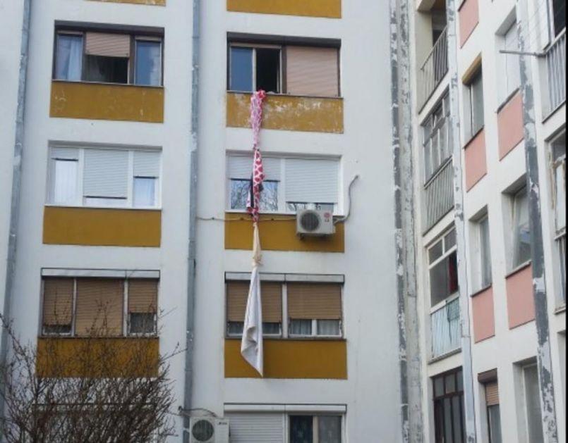 ŠOK-FOTO IZ NIŠA: Devojka pala s trećeg sprata, pokušala da se spusti niz čaršav preko terase?!