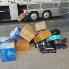 ŠOK NA GRANIČNOM PRELAZU MERDARE: Carinici nisu ni slutili šta se nalazi u kamionu - vozač se sam odao (FOTO)