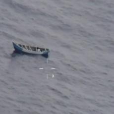 ŠOKANTNI SNIMAK SPASAVANJA TINEJDŽERKE: Tri nedelje provela sama na moru bez hrane i vode (VIDEO)