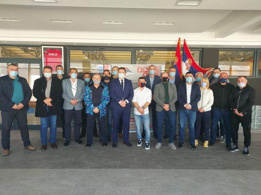 SPORTSKI SAVEZ SRBIJE: Štefanek i Marinković odneli sportsku opremu na Kosovo i Metohiju!