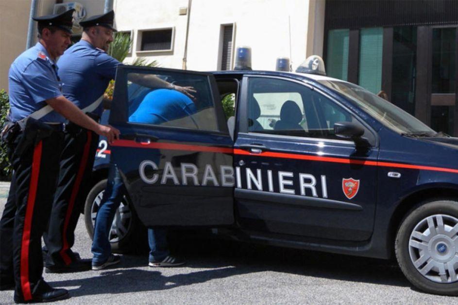 SPREČEN PORODIČNI MASAKR U ITALIJI: Mladić i devojka ubili njenog oca, a hteli i majku i sestru, spasilo ih zapomaganje VIDEO