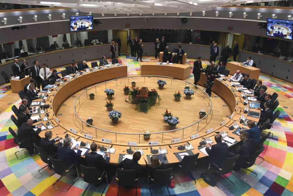 SRAMNI DVOSTRUKI STANDARDI: EU opet samo verbalno osudila Prištinu! Da je Srbija uvela takse Prištini čekale bi je žestoke SANKCIJE!