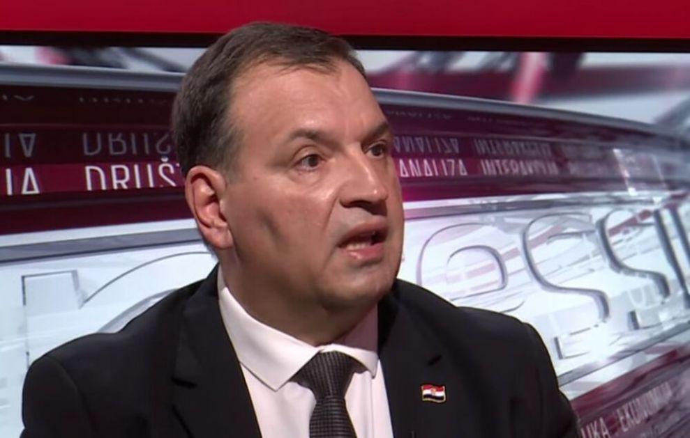 SRAMOTA NAS JE MINISTRE U VAŠE IME: Ćerka onkološke pacijentkinje uputila brutalno pismo hrvatskom ministru zdravlja