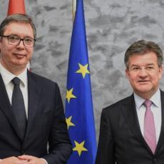 SRBIJA JE SPREMNA ZA NASTAVAK DIJALOGA SA PRIŠTINOM: Predsednik Vučić sastao se sa Lajčakom (FOTO)