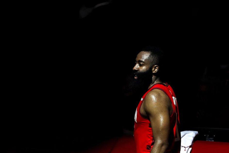 SRBIJI RASTU ŠANSE: Snažan udarac za Amerikance! Najveća NBA zvezda odustala od Mundobasketa (FOTO)
