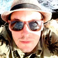 SRBINA U LONDONU UBILA DEVOJKA! Policija utvrdila: Litvanka je Igora GURNULA KROZ PROZOR