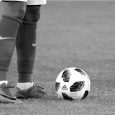 SRCE NIJE IZDRŽALO: Legendarni fudbaler PREMINUO u 47. godini!