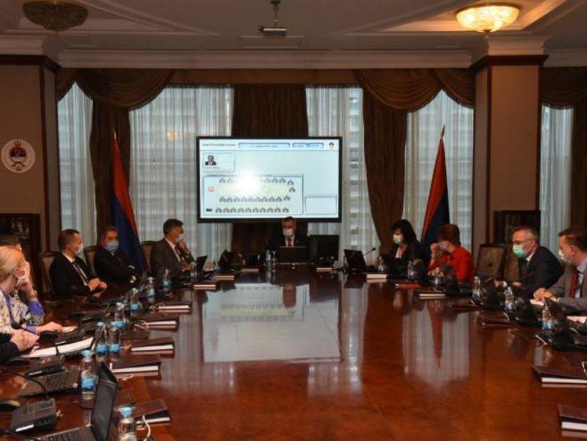 SRPSKA PONOVO UVODI MERE ZBOG KORONE: Nema okupljanja za više od 50 ljudi, skraćeno radno vreme kafića
