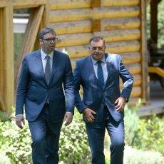 SRPSKO JEDINSTVO POKAZUJE DA SMO NAUČILI LEKCIJE IZ PROŠLOSTI Snažna poruka Vučića posle susreta s političkom vrhom Srpske