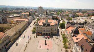 SSP: U uslovima pandemije Novi Sad nabavlja novogodišnje ukrase za 19 miliona