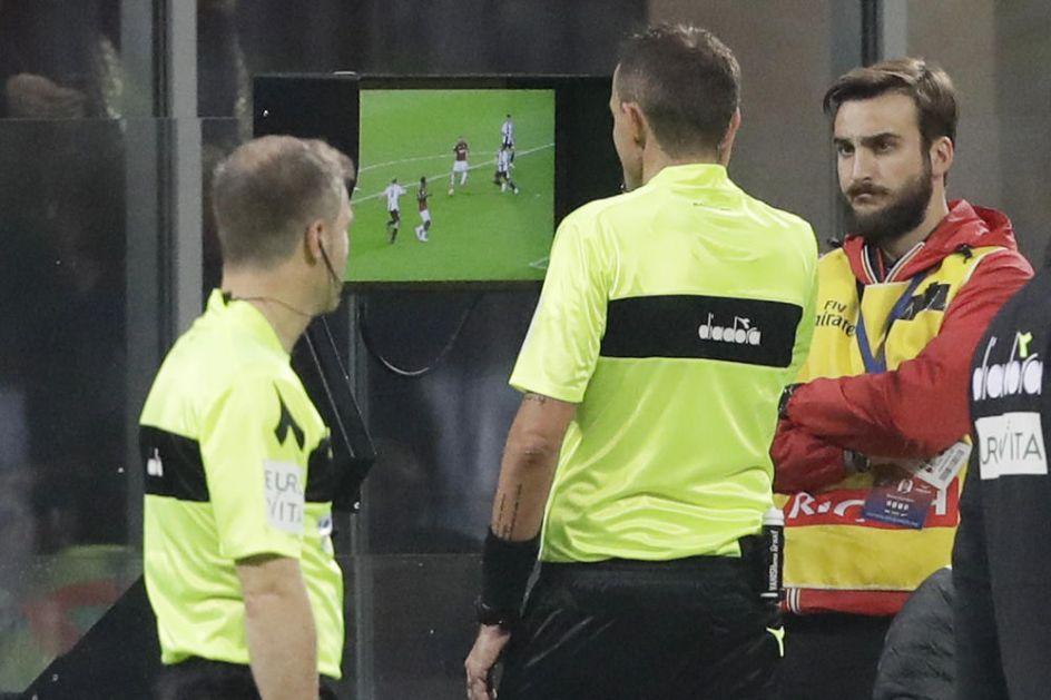 ŠTA JE PENAL, AKO OVO NIJE? Neverovatna situacija u Bundes ligi! (FOTO)