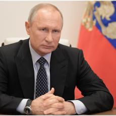 ŠTA JE SA VAMA MINUS 20 JE, OBUCITE SE Putin prekorio činovnike koji su skinuli kape u znak pozdrava