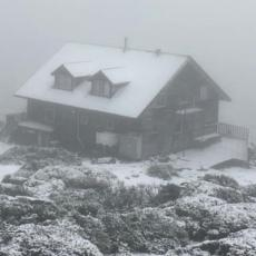 ŠTA SE OVO DOGAĐA U AUSTRALIJI!? Prvo požari, pa poplave, a sada i sneg i to za vreme letnje sezone! (FOTO)