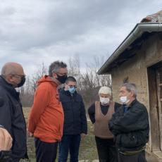 STIGLA POMOĆ NA JUG SRBIJE: Čadež uručio pakete s namirnicama za domaćinstva u opštinama Lebane, Medveđa i Bojnik (FOTO)