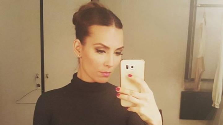 STOMAK DO ZUBA: Naša prelepa glumica pokazala kako izgleda pred porođaj! (FOTO)